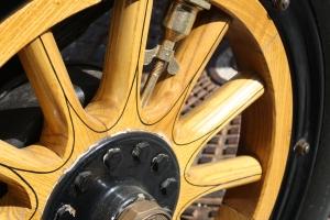 wood-weel-1444183-m